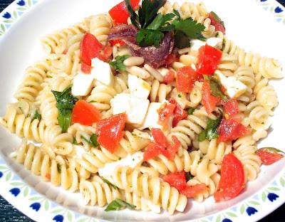 Fusilli Rucola e Mozzarella con Pesto Saporito