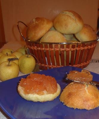 Panini al latte di De Riso con marmellata di mele limoncelle e limone