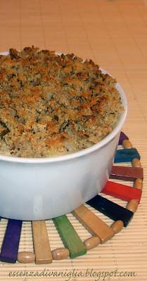 Crumble di patate e noci aromatizzato alle erbe mediterranee