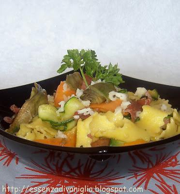 Pappardelle allo zafferano con verdure croccanti