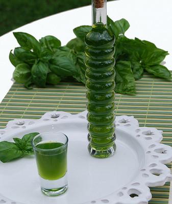 Liquore al basilico (o basilicello)