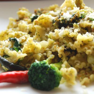 Pasta e Broccoli con Crumble di Pane e Noci