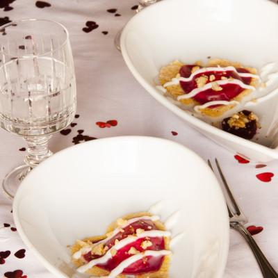 Ravioloni di rapa rossa, con robiola e mascarpone su cialda di parmigiano reggiano