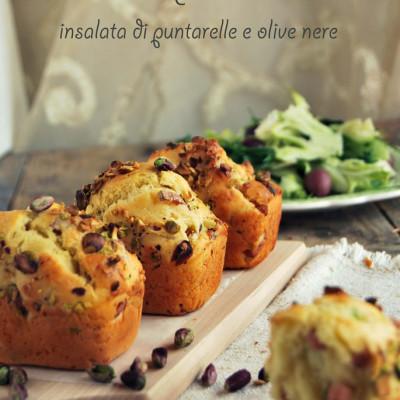 Mini cake con mortadella, pistacchi e provola e insalata di puntarelle e olive